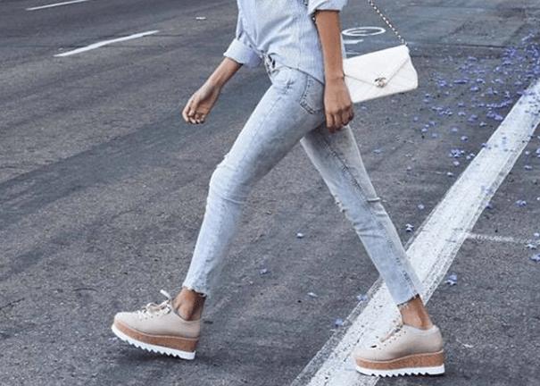 Sneakers in platform