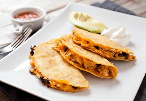 Shredded Chicken Hard Tacos